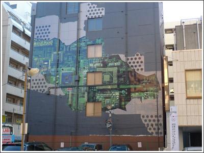 プリント基板が側面にある建物(ネタ)