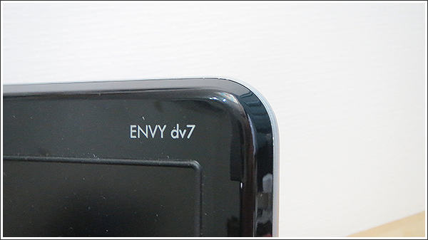 HP ENVY dv7-7300は残念ながら「タッチ操作非対応」
