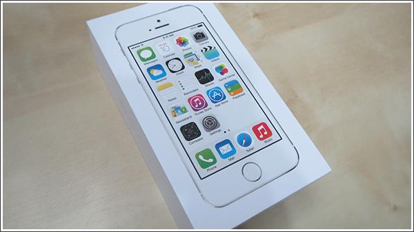 今頃という感じですが、やっとiPhone5sに変更しました!! ←すべてWebで完結