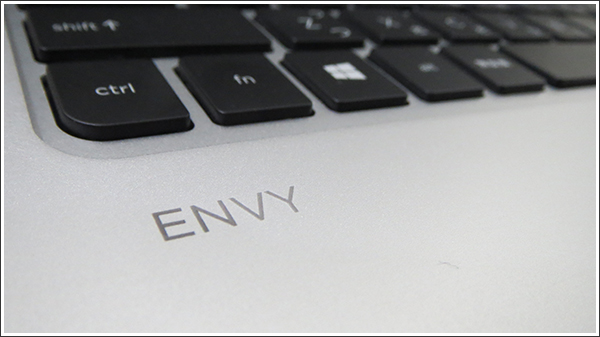 HP ENVY 15-j100は10万円以下でフルHD搭載のハイスペックモデル