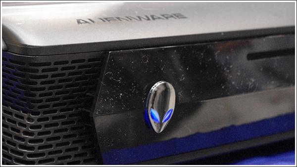 DELLのゲーミングマシン「ALIENWARE」とJINS PCのコラボモデルが販売されるって!!