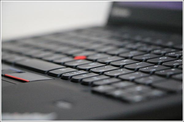 新しいThinkPad X1 Carbonは3つのディスプレイが選択可能!