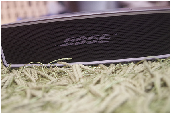 BOSEの「SoundLink Mini Bluetooth speaker II」はさすがの重厚感