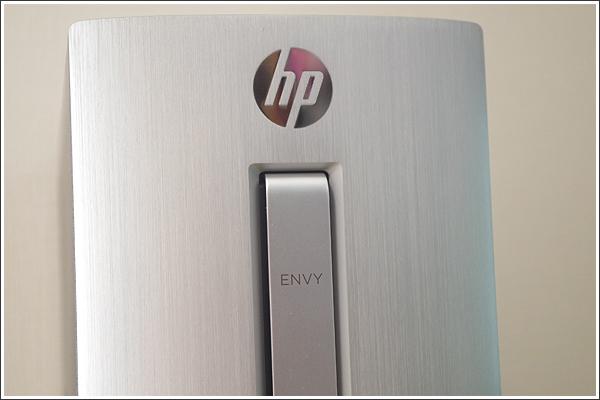 フロントフェイスのヘアライン加工が綺麗な「HP ENVY 750-180jp/CT」