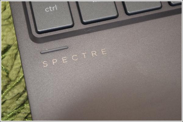 HP Spectre x360はちょっと贅沢なホームノートパソコン